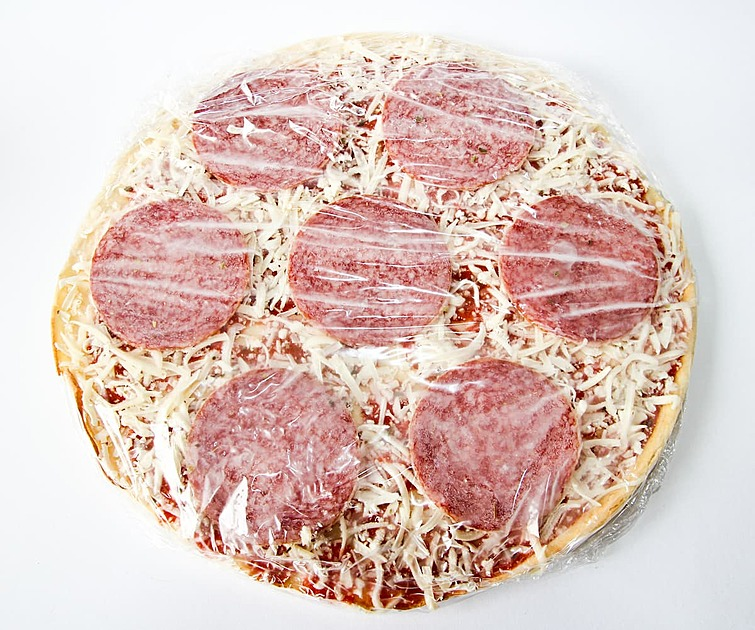 「で、いつから働ける?」 〜ニートだった自分が工場ラインで3ヶ月間ピザにチーズを振り続けた話〜