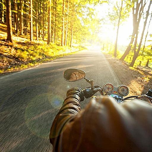 両手首骨折し記憶喪失。それでもバイク便のアルバイトが大好きだった
