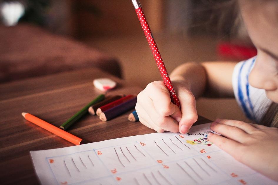 手書きで履歴書を作る場合の注意点