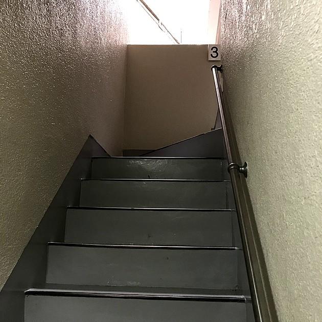 マンションの階段の写真