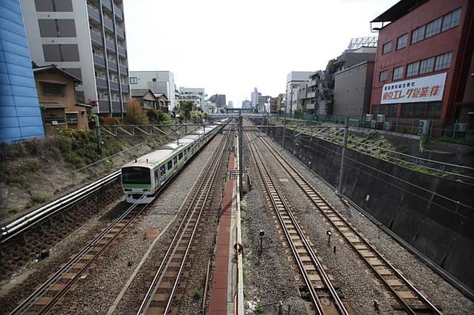 山手線の線路の画像