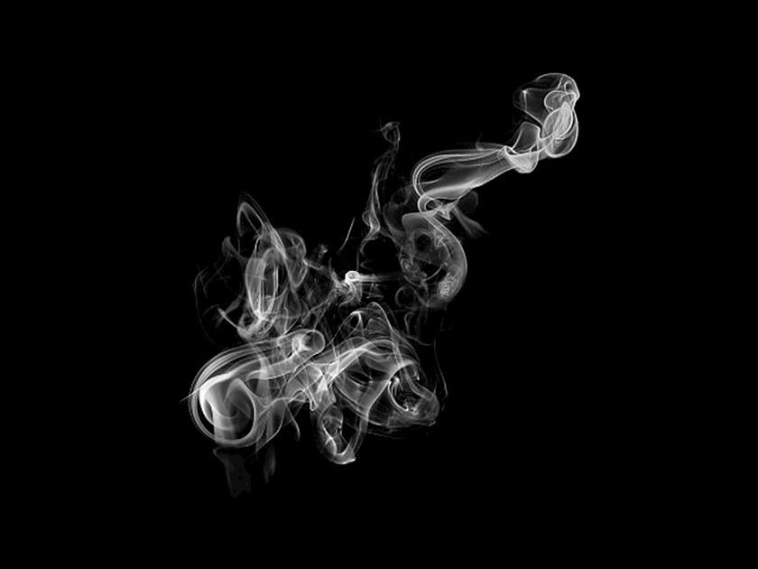 暗闇の煙の画像