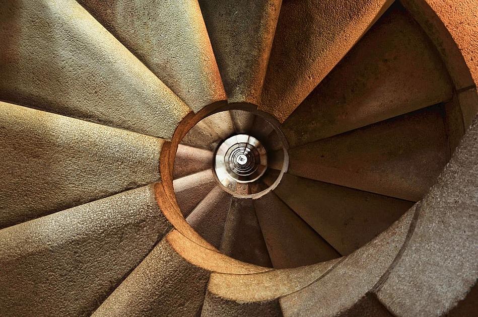螺旋階段の画像