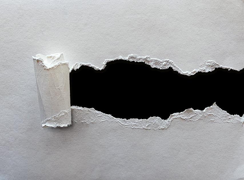 破れた紙の写真
