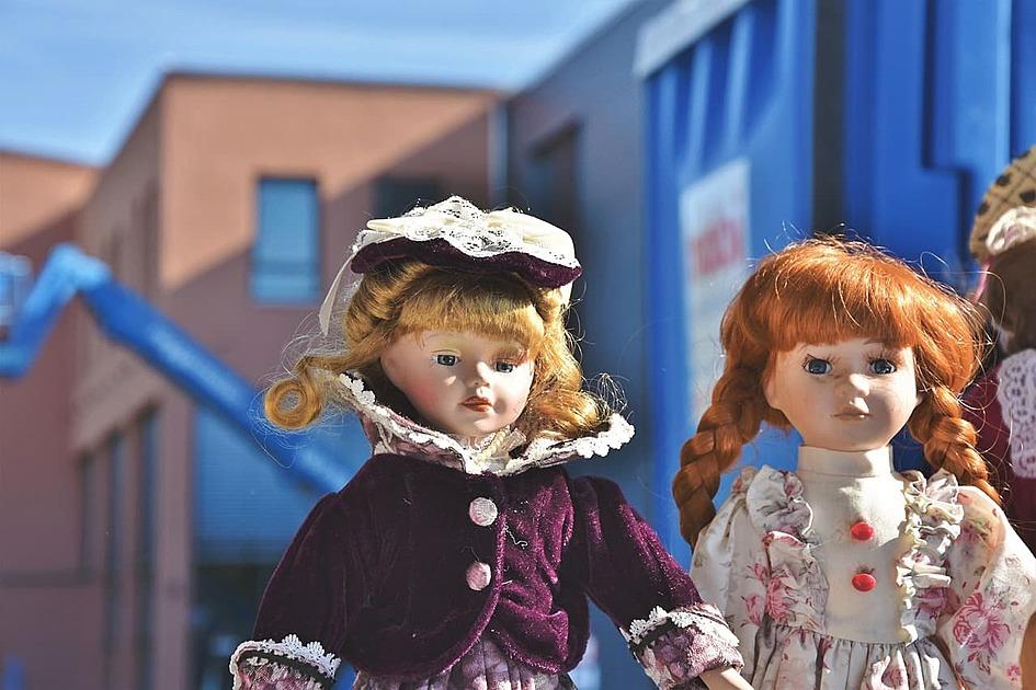 人形が並んだ写真