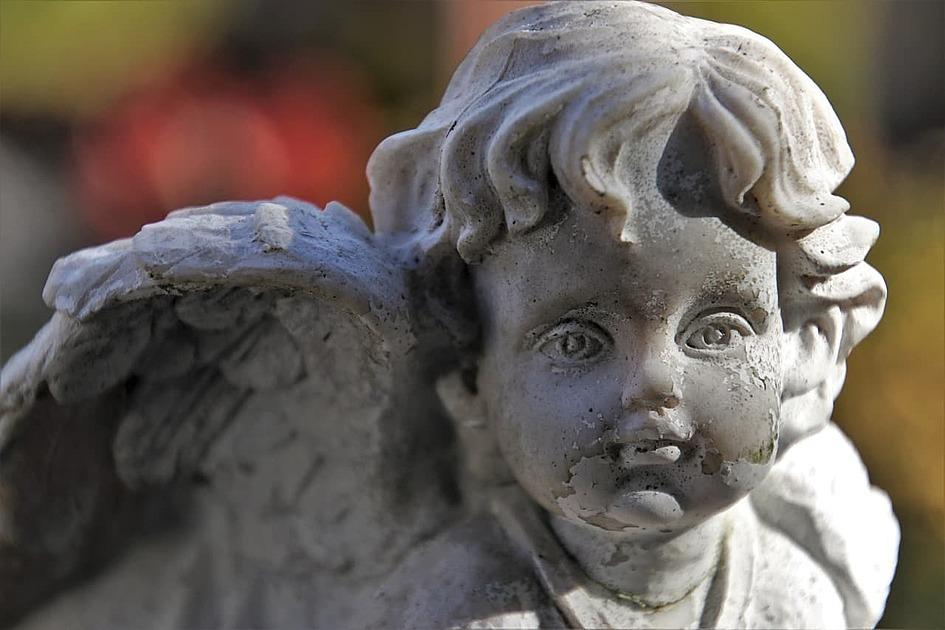 天使の石像の写真