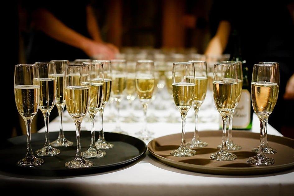 シャンパンが並んだ写真