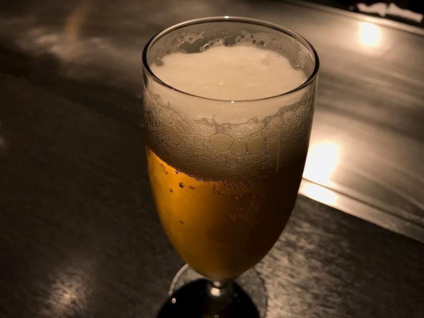 飲みかけのビール