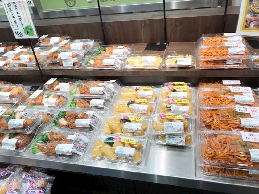 スーパーの惣菜コーナー