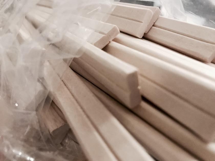 割り箸がたくさん