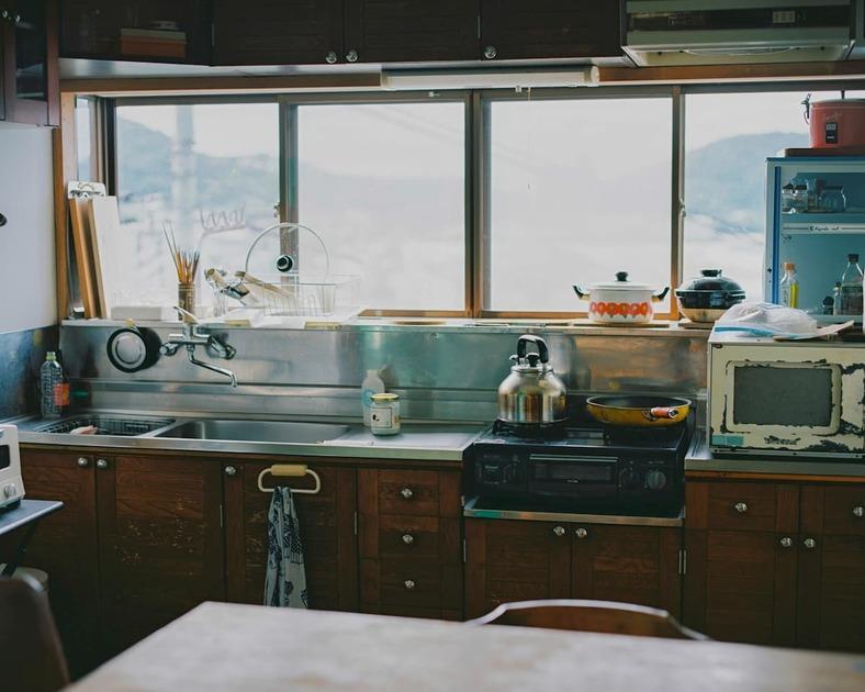 昭和の家のキッチン